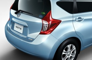 2013-Nissan-Note-Rear-Side1