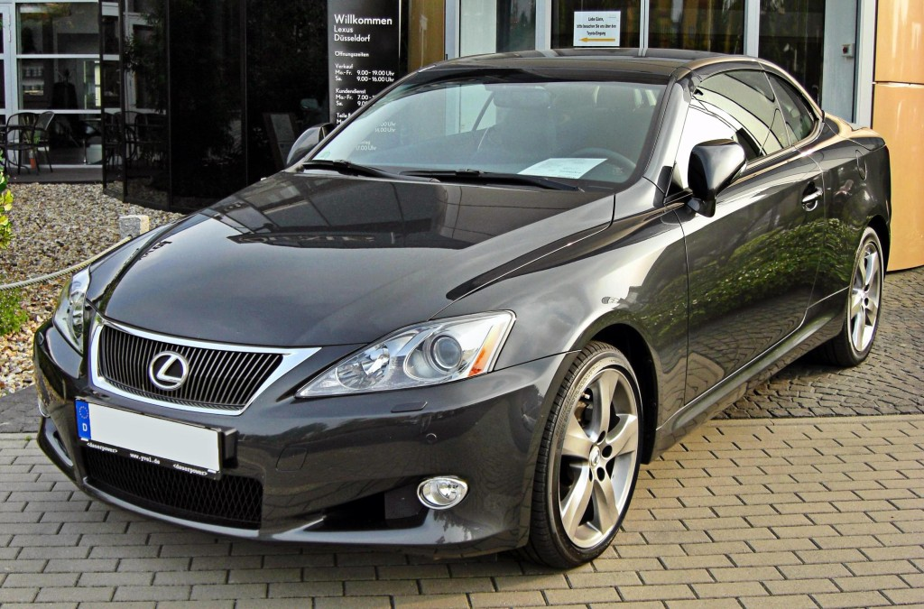 Lexus_IS_250_C_20090809_front