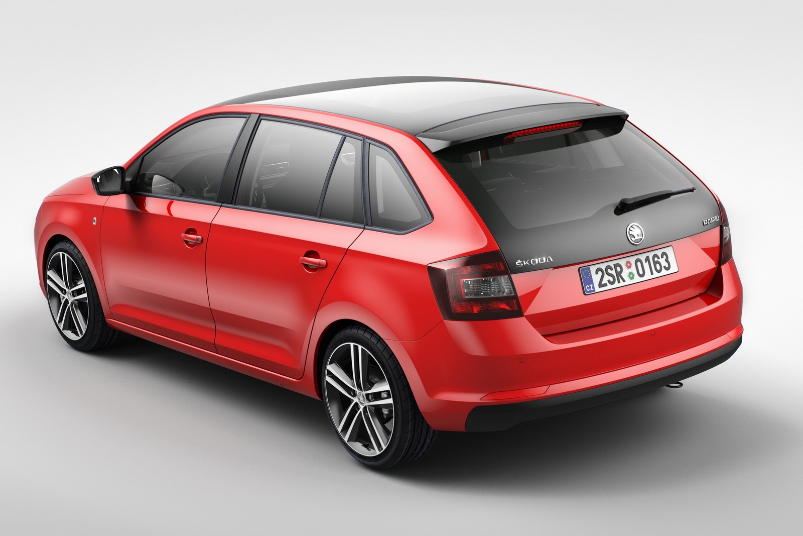 Skoda-Rapid-Spaceback-1[3]