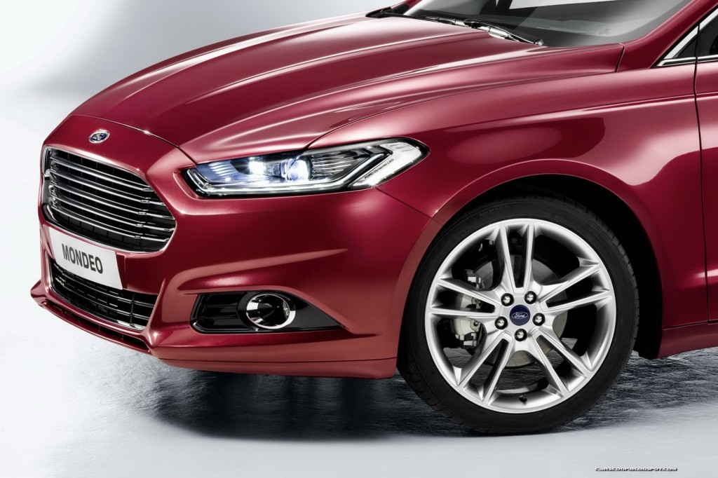 2013-Ford-Mondeo-11[2]