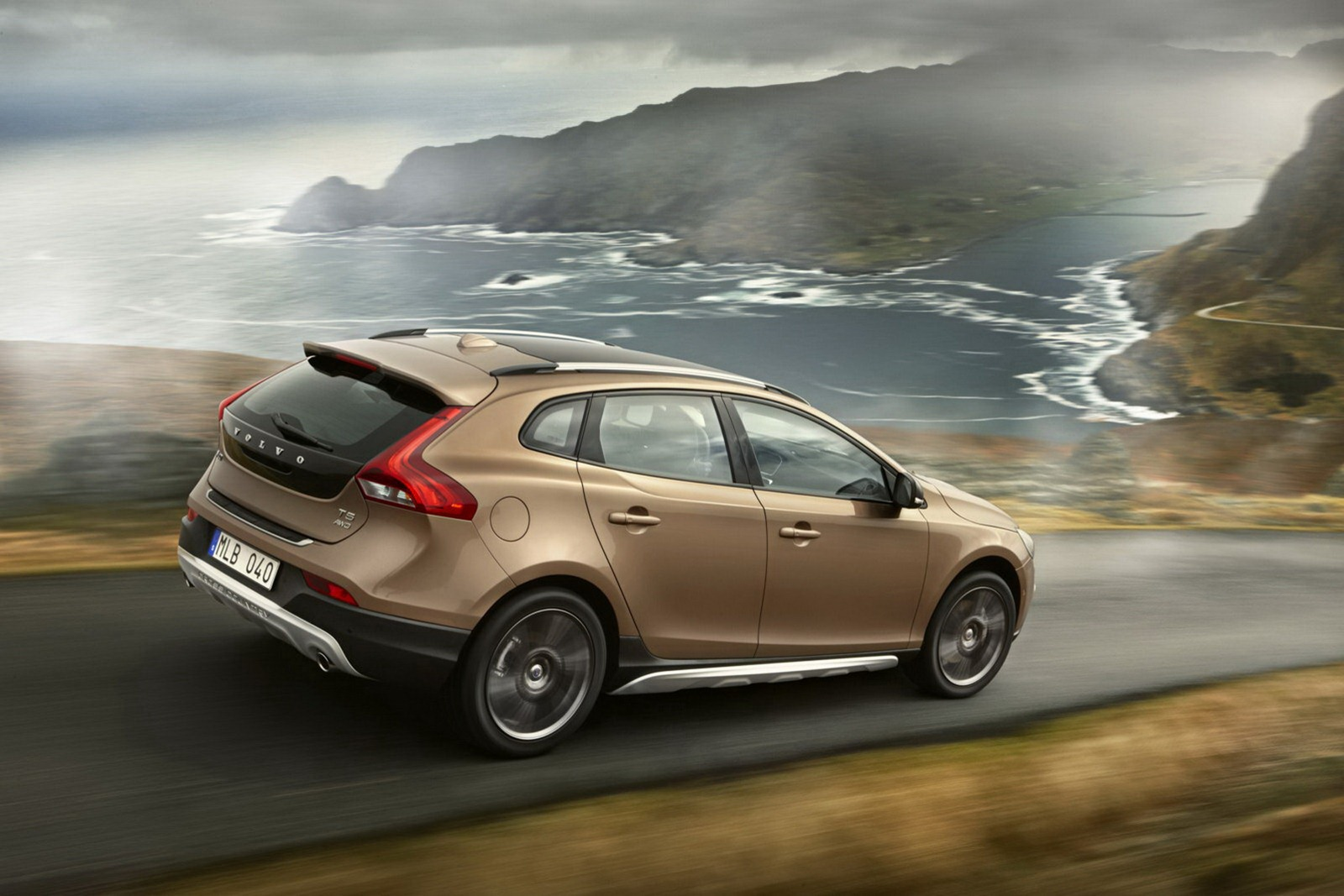 volvo-v40-cross-country-18[2]