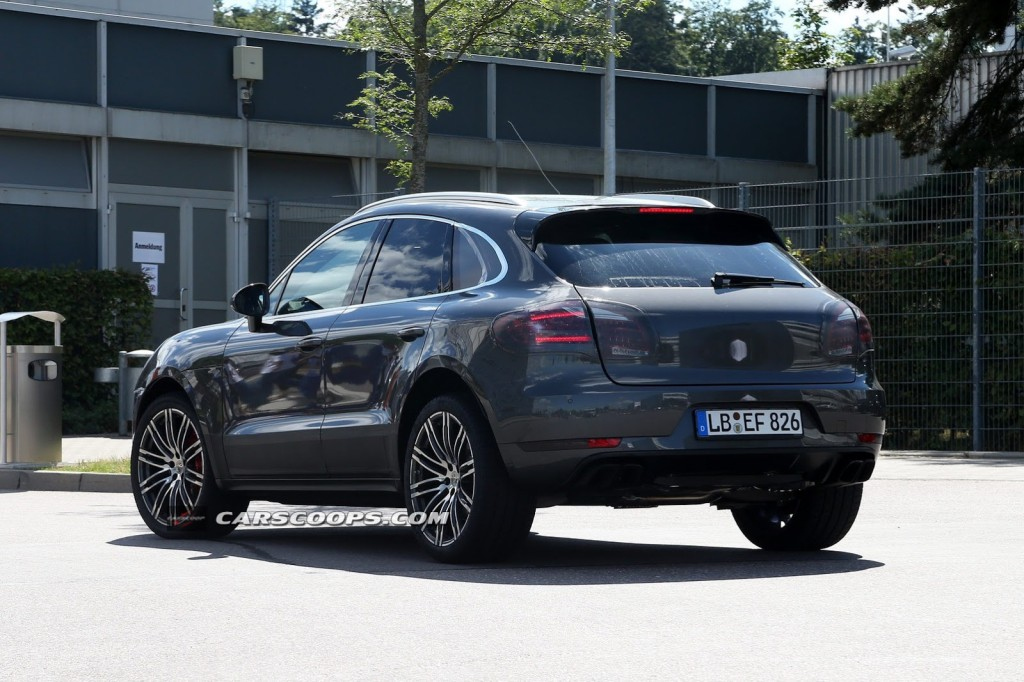 New-Porsche-Macan-Turbo-8-Carscoops[6]
