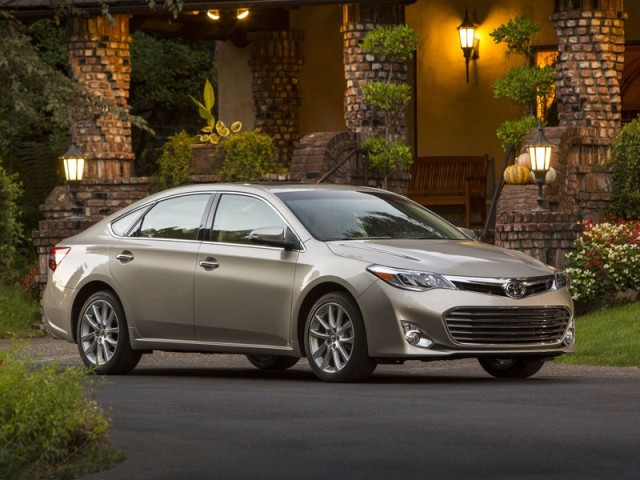 Neuer-Toyota-Avalon-geht-Start-005_high