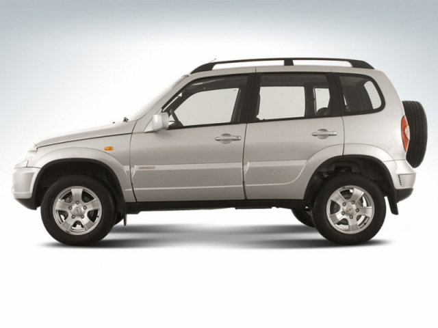 Chevrolet_Niva_SUV 5 door_2009