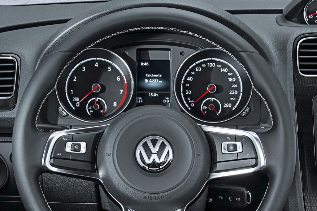 2014-VW-Scirocco-Facelift-9[5]