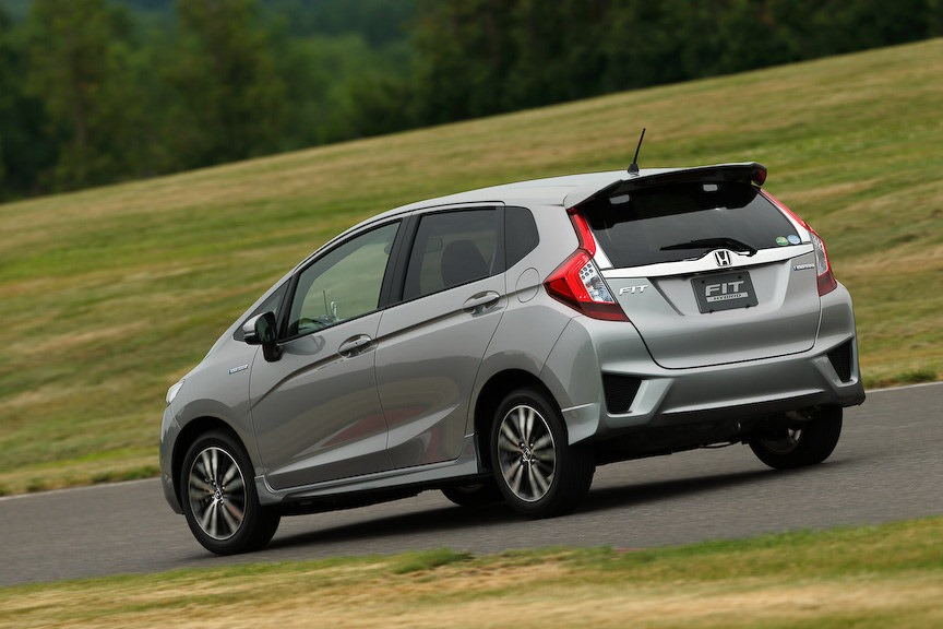 2014-Honda-Fit-Jazz-10[2]